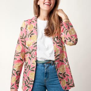 Giacca artigianale donna in tessuto liberty - giacca fatta a camicia, completamente sfoderata che può essere indossata semplicemente sopra ad una t-shirt o ad un top, come anche su una camicia o un golfino leggeri